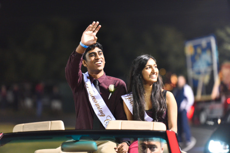 SGA announces Homecoming Court and shows off floats at halftime