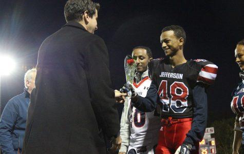 Late surge pushes Marshall football past Jefferson on senior night