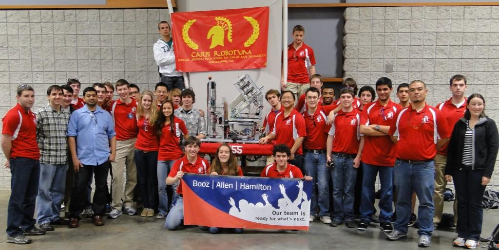 Students+build+robot+to+participate+in+FIRST+Robotics+Competition