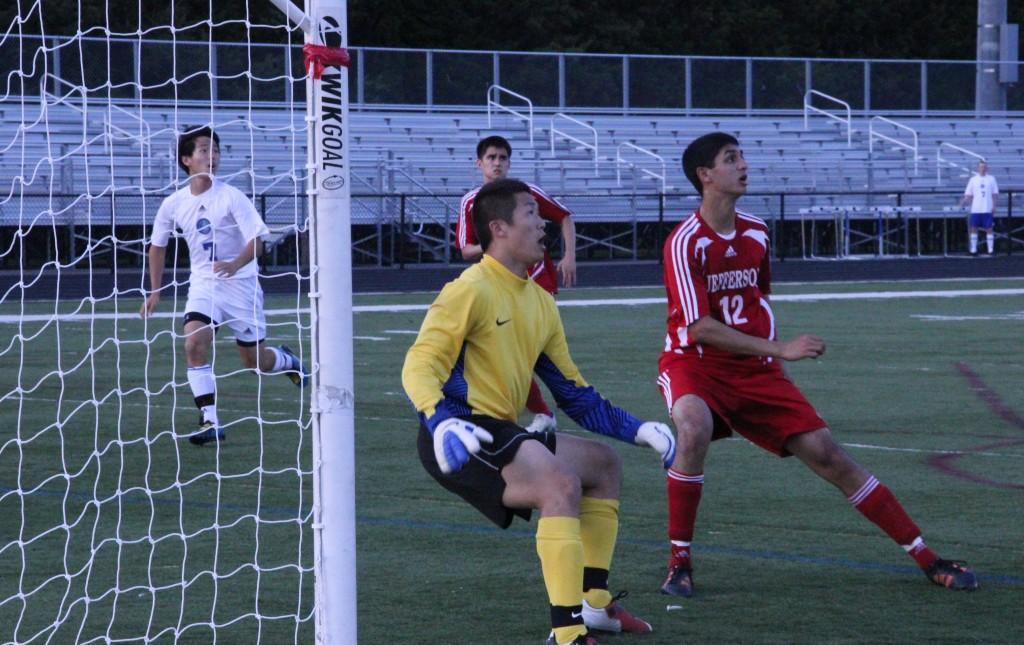 Boys soccer keeps District hopes alive