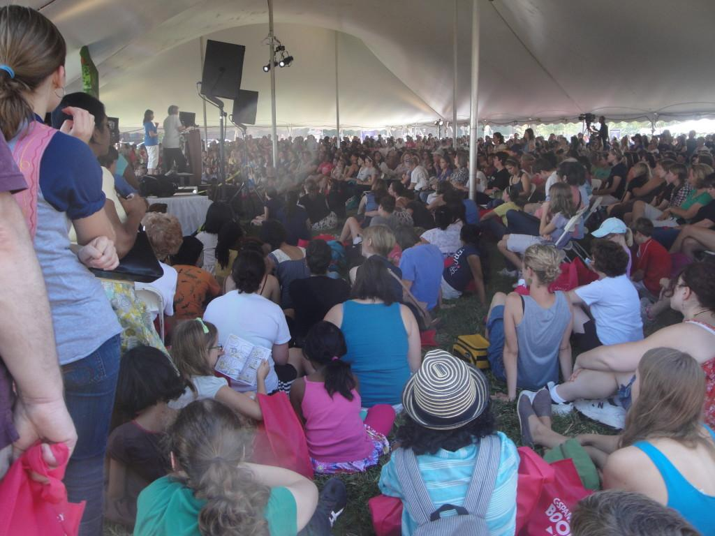 Fans+listen+to+Lois+Lowry+in+the+National+Book+Festival