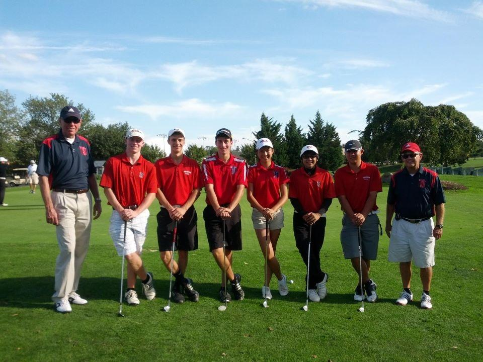 Freshman wins golf Districts