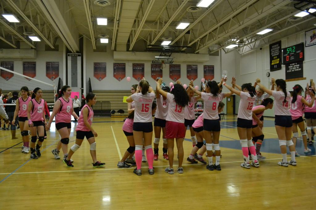 Volleyball+team+dedicates+game+to+cause