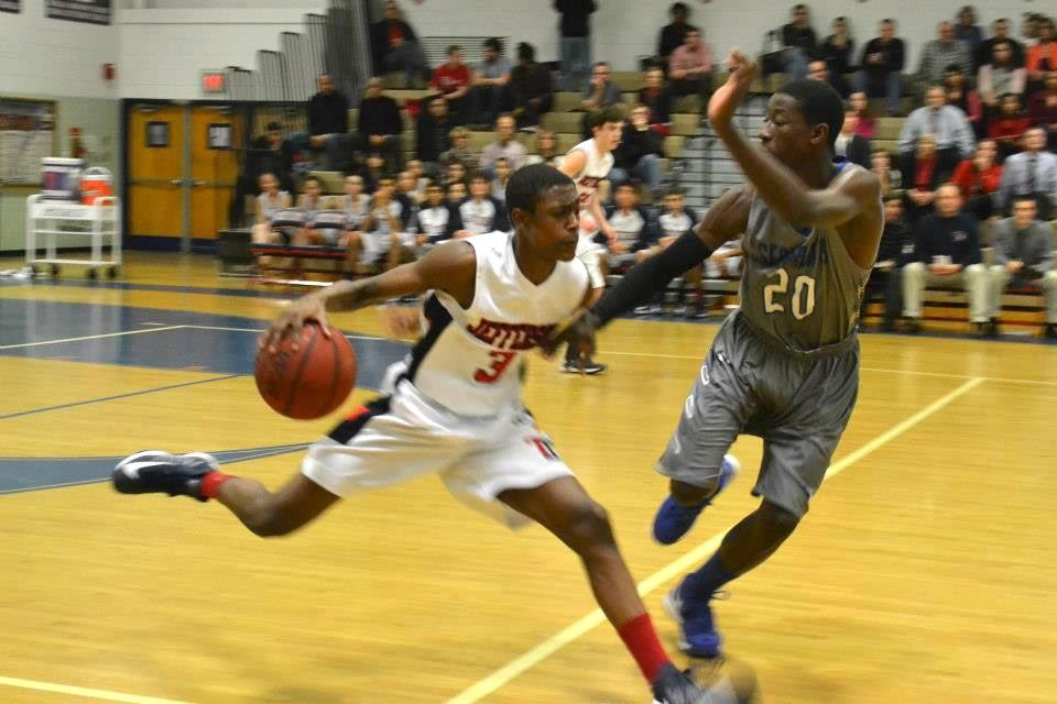 Boys' varsity basketball gathers momentum in Liberty District play