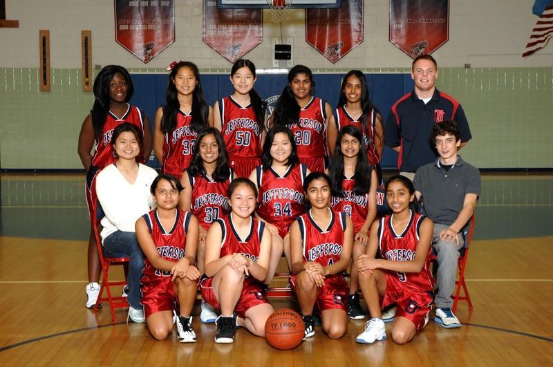Freshman girls basketball starts season with new coach