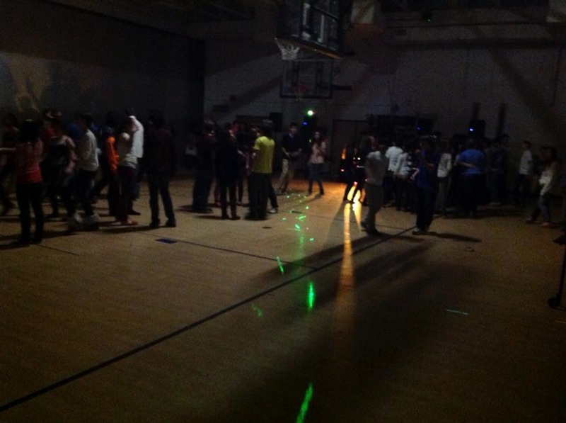 Students attend sophomore-sponsored dance