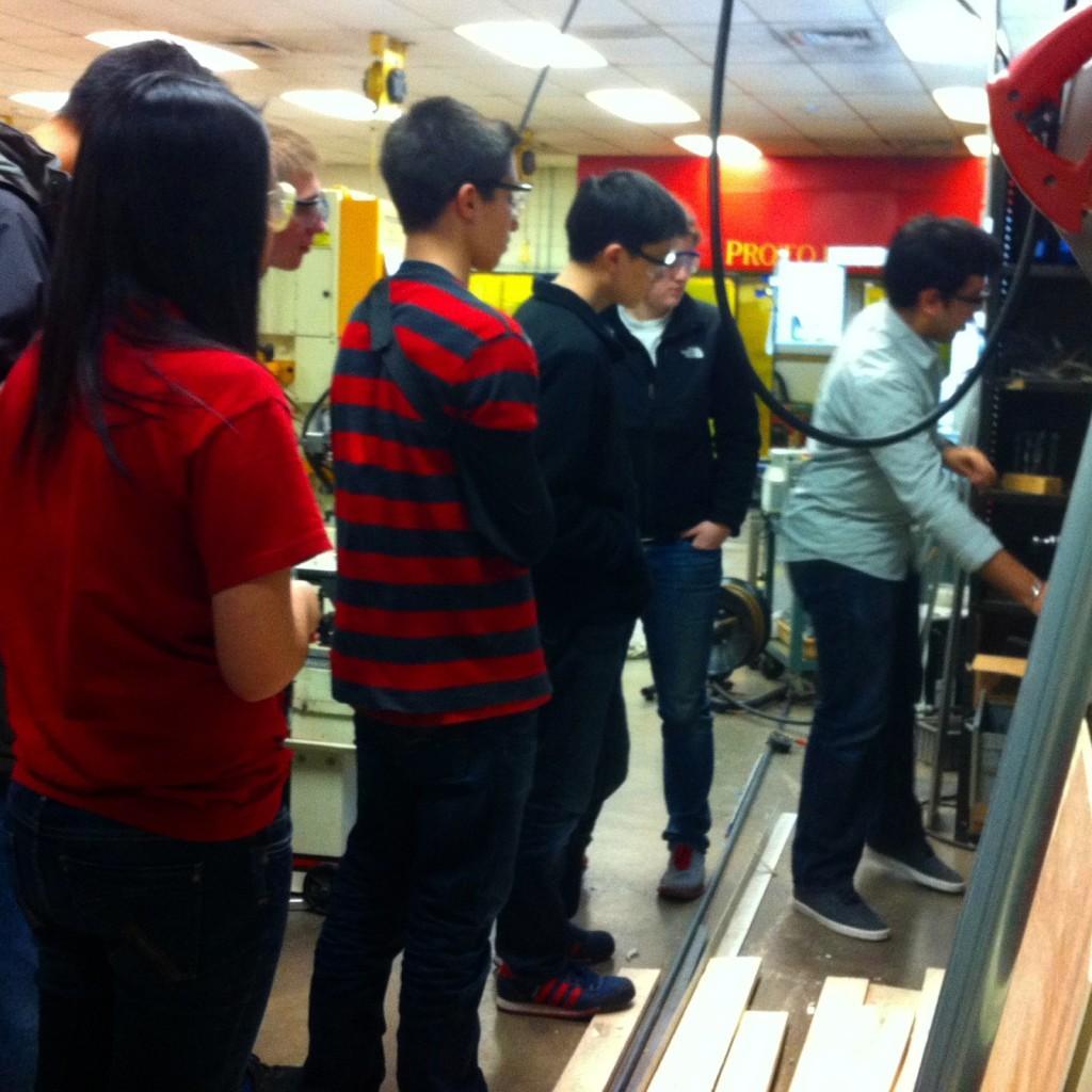Sophomores+visit+prototyping+lab
