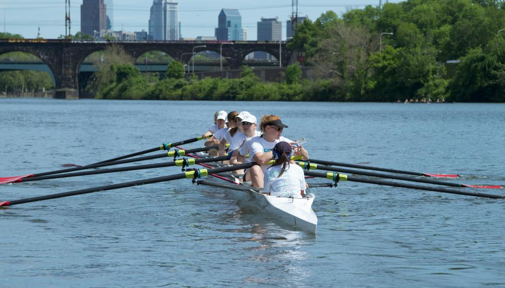 The+women%27s+first+varsity+boat+prepares+to+race+at+the+Stotesbury+Cup+on+May+17.