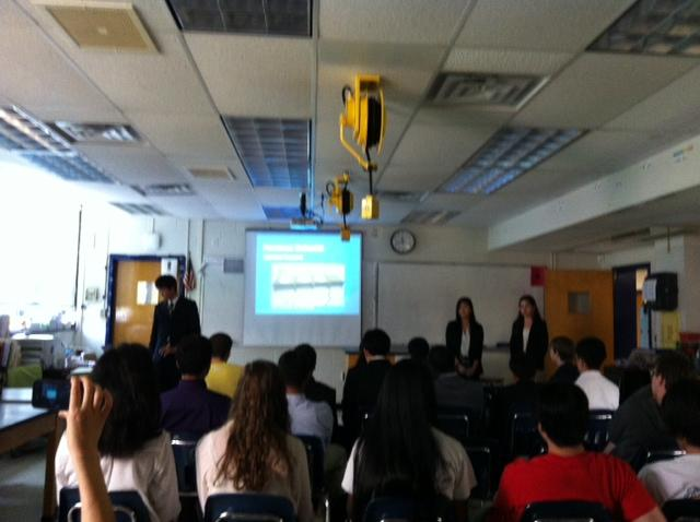 Freshmen+give+IBET+presentations+at+tjSTAR