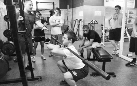 New powerlifting team trains for competition