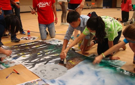 Students painted their class's banner during 8th period on Sept. 18.