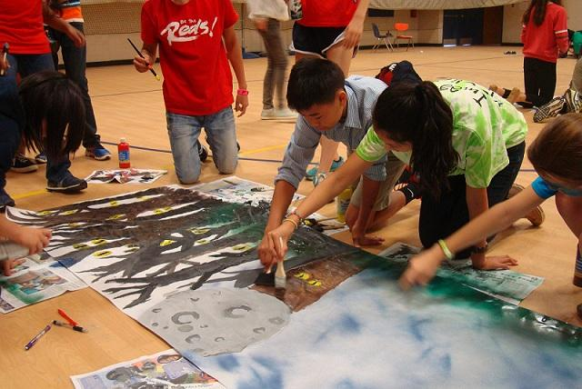 Students+painted+their+class%27s+banner+during+8th+period+on+Sept.+18.