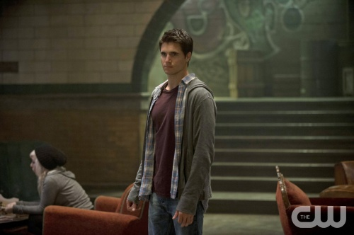 Stephen Jameson (Robbie Amell) in the pilot episode of The Tomorrow People. Photo courtesy of The CW's official