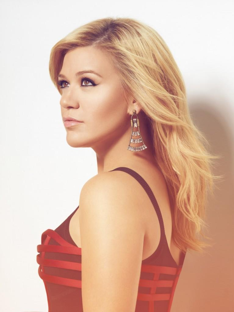 Photo courtesy of www.kellyclarkson.com/us