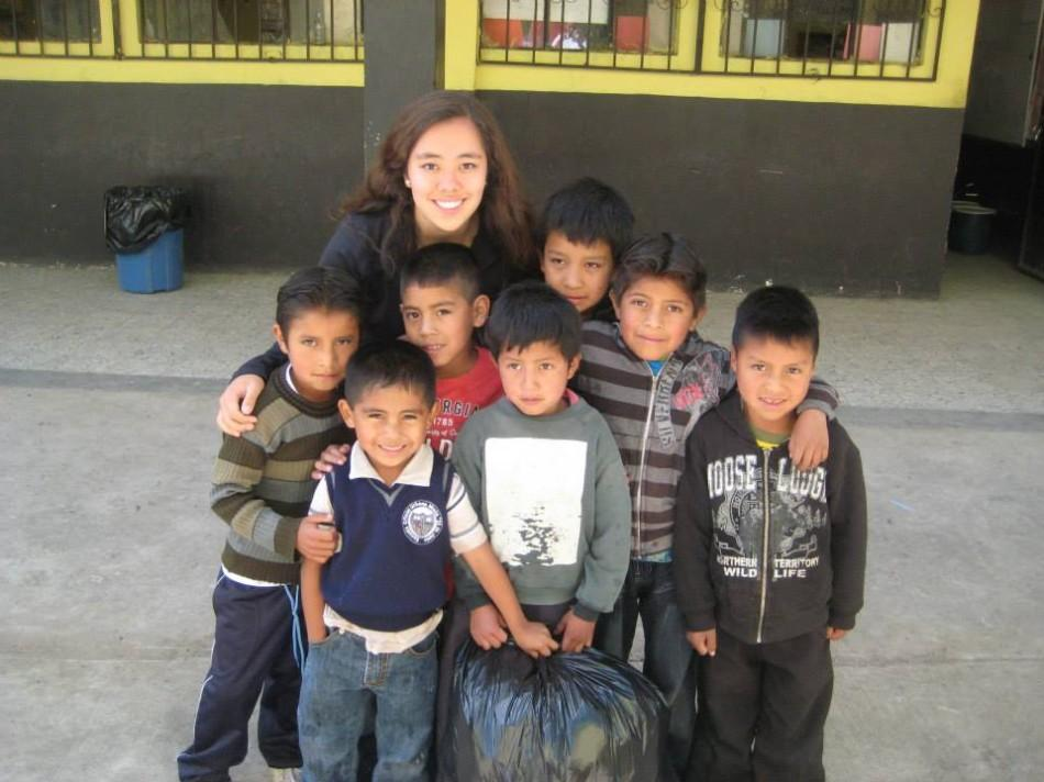 Junior+Sage+Teasley+stands+with+Guatemalan+children+from+her+trip+to+Guatemala+with+the+Global+Public+Service+Academies+%28GPSA%29+for+Health+during+the+summer+of+2013.+Photo+courtesy+of+GPSA.