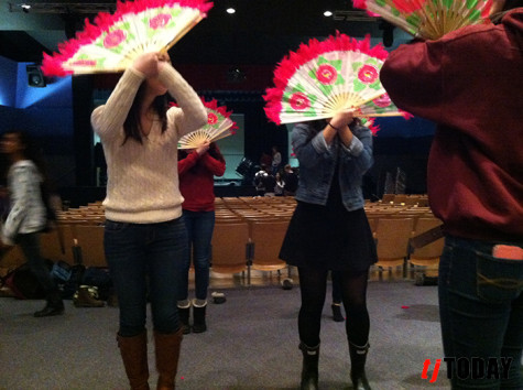 Korean Culture Club practices with fans for I-Nite.