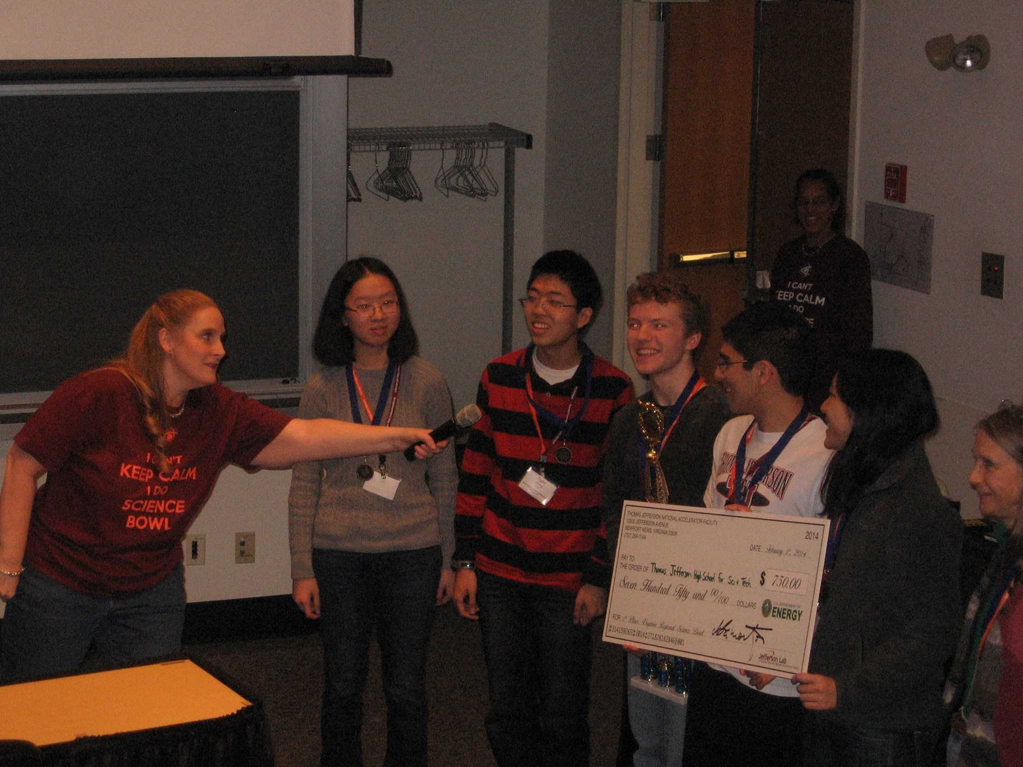 Jefferson Science Bowl team wins first at Regionals.