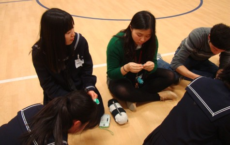 Students from Fujishima High School visited Jefferson for one day on March 14, in which they presented Japanese culture  and their scientific research to Jefferson students.