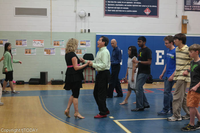 Ballroom Dance Club welcomes guest instructor to learn the Hustle