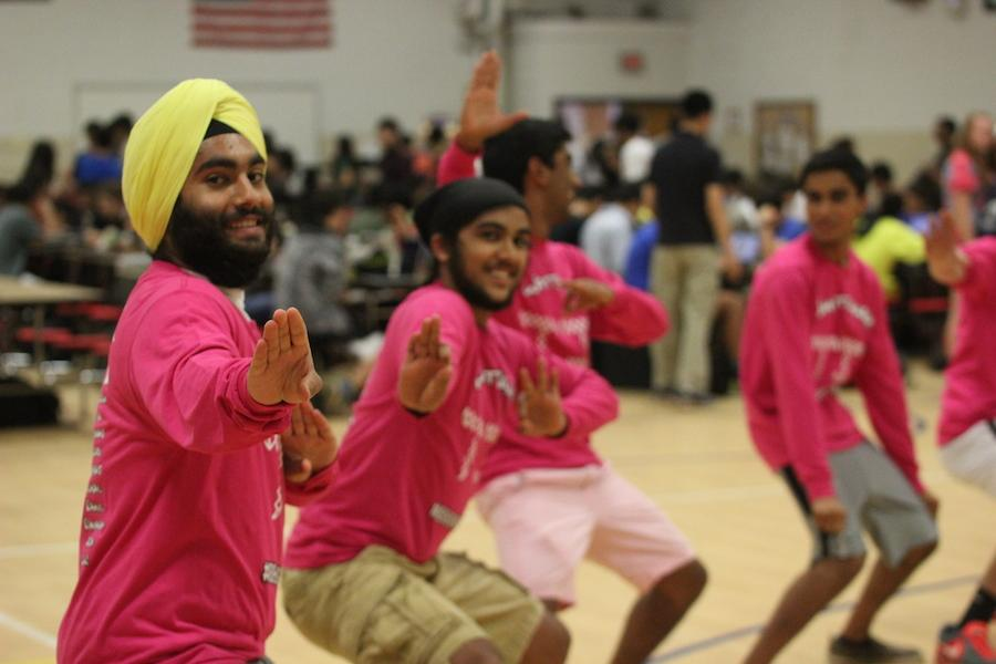 Bhangra Team prepares for J-Day performance