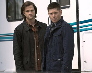 Still of Dean Winchester (Jensen Ackles) and Sam Winchester (Jared Padalecki) in the