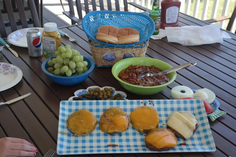 Sweet+and+Savory+Summer%3A+Burgers+and+Baked+Beans