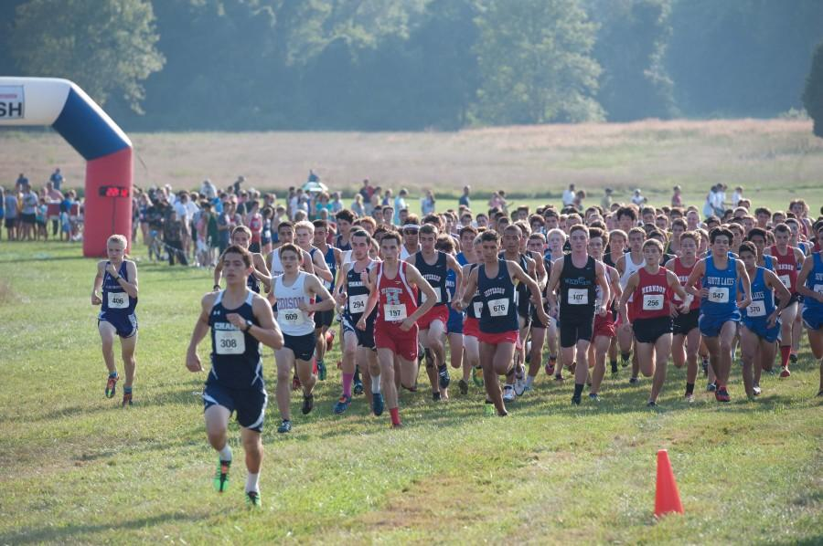 Jefferson junior and senior boys race at the PR Kickoff 2013 Invitational. While racing is difficult, sometimes finding motivation to run on your own is even harder.