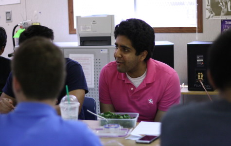 Senior Anant Das, president of the SGA, speaks at the first Dining with Doc meeting on Sept. 4.
