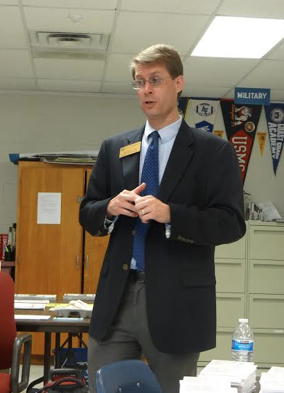 Representative Tim Wolfe presented the features of The College of William and Mary at the College and Career Center on Oct. 1.