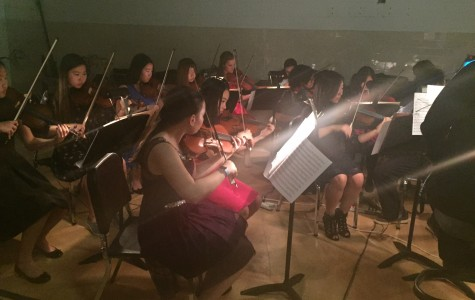 The members of the Jefferson Orchestra play Classical music throughout the dance.