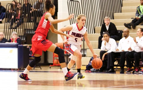 Girls varsity basketball loses against Edison