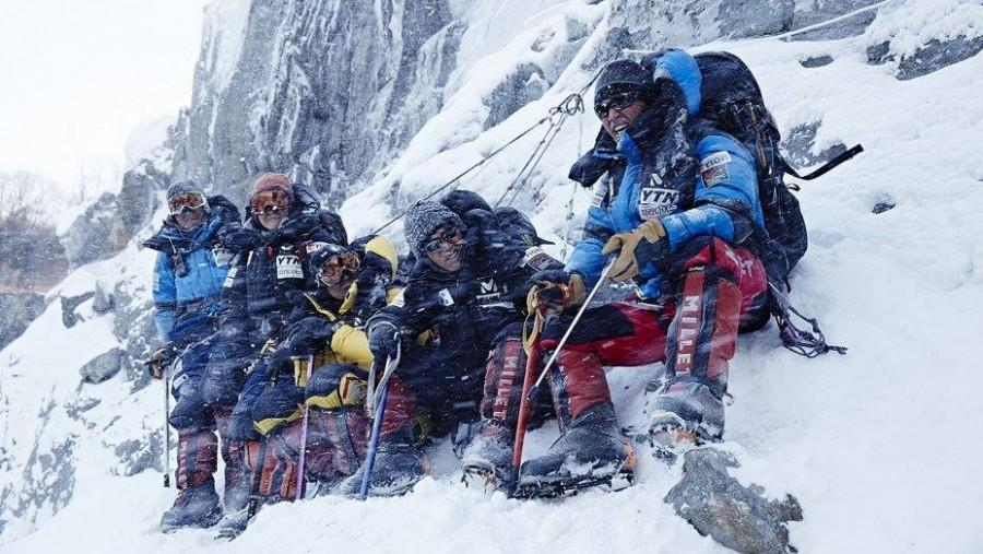 The+struggles+of+mountaineers+on+the+Himalayas+are+depicted+vividly+as+the+team+faces+the+forces+of+nature.+%22The+Himalayas%22+is+based+off+of+a+real+mission+that+occurred+in+2004+to+recover+the+bodies+of+team+members.