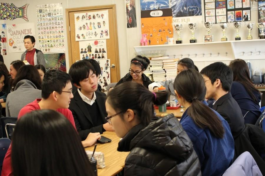 Japanese+foreign+exchange+students+converse+with+American+peers+during+a+lunch+social+on+Wed%2C+December+6th.+