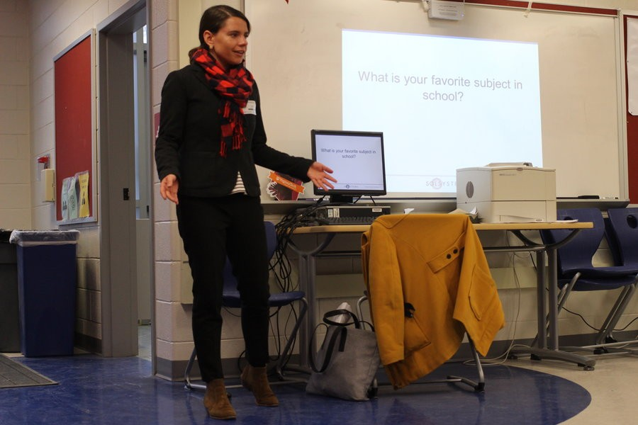 Sara Rafalson speaks to TWIST members about her experience working in the solar industry and gives members advice for the near future. On Jan. 20 during 8th period, Rafalson presented her advice to Jefferson students in the Einstein commons.
