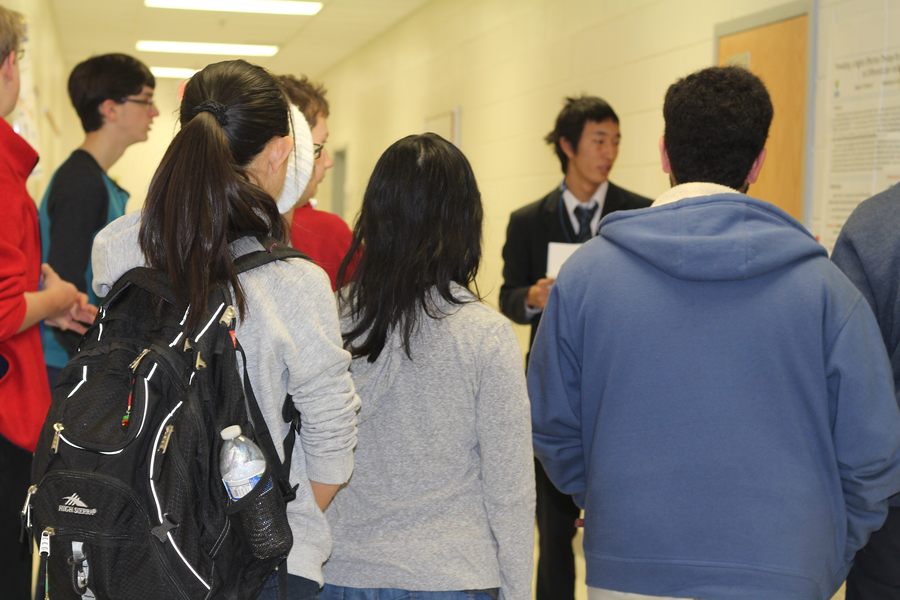 Jefferson+students+listen+to+a+Japanese+exchange+student+present+a+research+experiment.+Japanese+exchange+students+gave+presentations+all+through+eighth+period+on+Jan.+6th+in+the+Curie+Commons.
