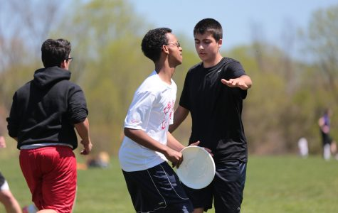 Jefferson ultimate frisbee team competes in tournament