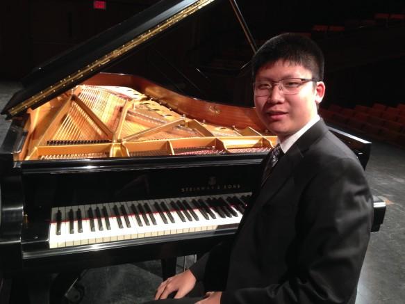 Eric-Lin-Dubois-winner-2016-583x437