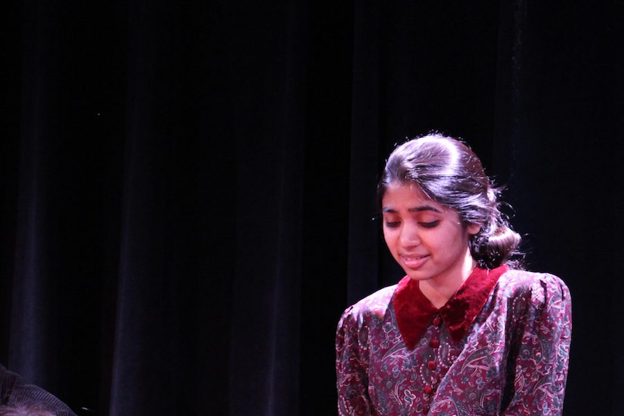 Sophomore+Kanvi+shah+performs+in+one+act+play+%22Emotional+Baggage%22+directed+by+Brittany+Csik.+The+Jefferson+drama+department%27s+29th+Annual+Knight+of+One+Axe+was+held+on+June+4+and+5+in+the+Black+Box+Theater.