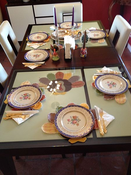 Many students will have Thanksgiving dinner at a setting similar to this. However, there may be an uninvited guest at your Thanksgiving dinner: homework.