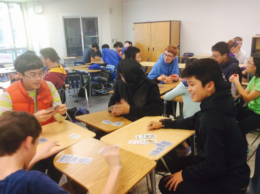 Freshmen Michael Kruppa (left) and Kevin  Chung (right) enjoy their 8th period  blocks by participating in bridge club with friends and classmates.