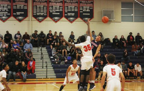Jefferson basketball plays close double-header games against Edison
