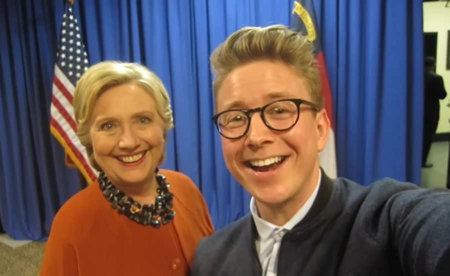 Tyler+Oakley+with+Hillary+Clinton+the+day+before+the+2016+presidential+election.