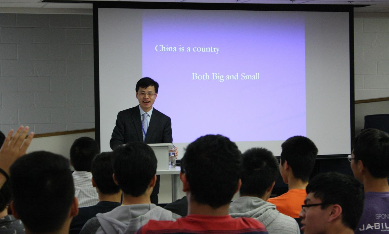 Tang explains the difference between the age of China's cultural history compared to the youth of its modern political history to students.
