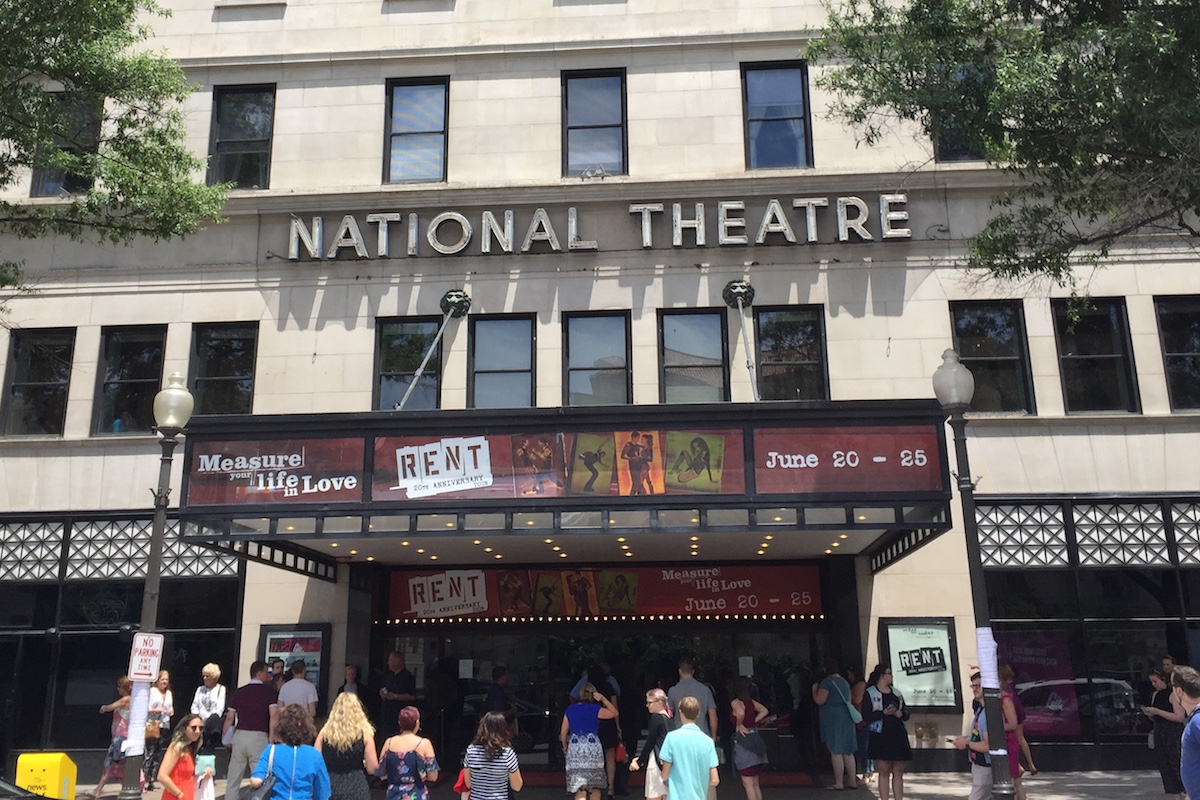 Attendees+enter+the+National+Theater+for+the+June+25+matinee+show.