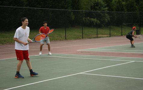 Freshmen, Seniors lead Boys Tennis team to Pentapeat