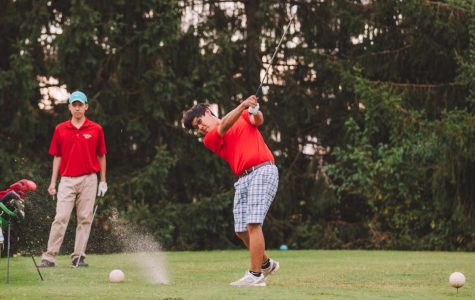 Golf team seizes another win during senior night