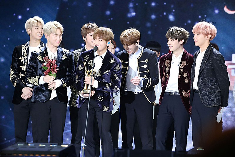 BTS+receives+an+award+at+the+Golden+Disk+Awards+on+Jan.+14+2017.+Creative+Commons+photo+courtesy+of+Ajeong+Jm.