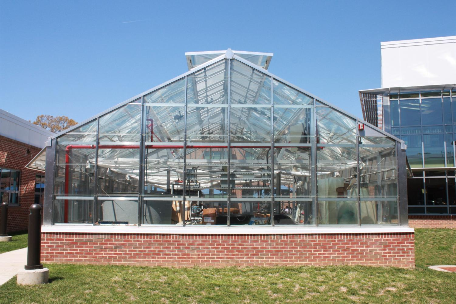 The academic research side of the greenhouse is soon to go under construction. In addition to air conditioning, shelving and systems for aquaculture will be installed.