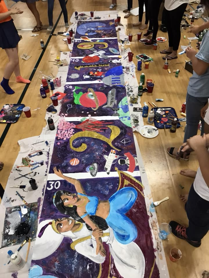 2019 Spirit Banner, designed by Samantha Yap and painted by 25 class members.