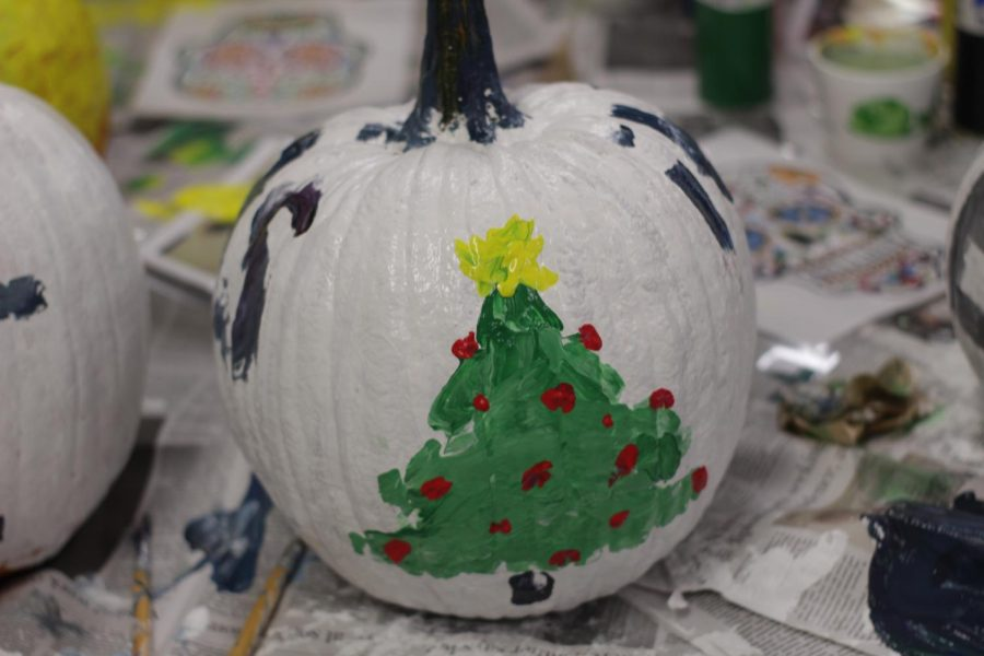 Sophomore Lucy Alejandro wishes you a scary Christmas with her pumpkin design.